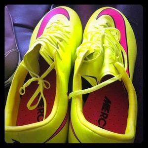Sports shoe wear